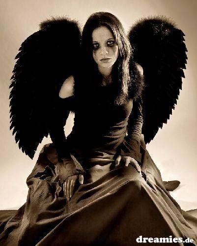 Pin Von Sonnja Schau Auf Engel Und Teufel S Schwarze Engel Dunkle Schonheit Schwarzer Engel Kostum