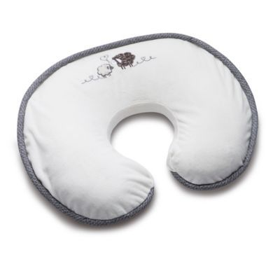 Boppy Luxe Sheep Nursing Pillow And Positioner In Cream Breastsupportpillow Boppy Nursing Pillow Nursing Pillow Boppy