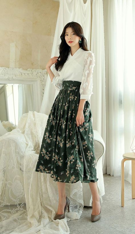 Modern Hanbok Jeogori Jacket Woman Female Korea Hanbok Dress Casual Daily White Butterfly Design CHI