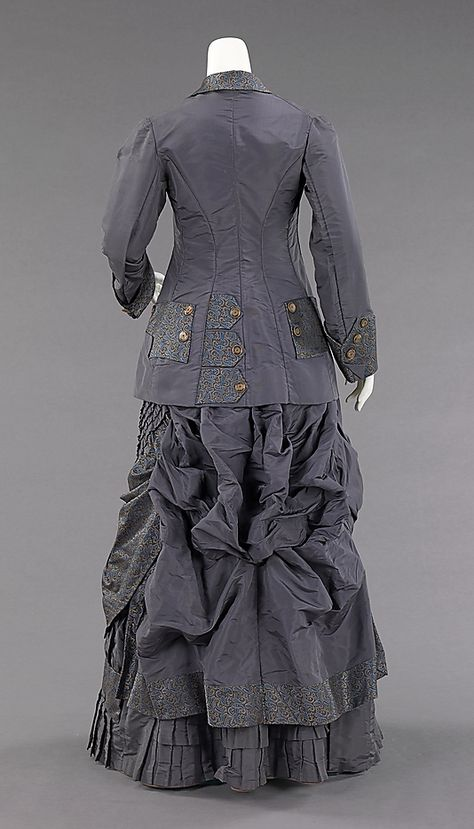 1878-82 ... Afternoon ensemble .... American ... silk & abalone ... at The Metropolitan Museum of Art ... photo 5
