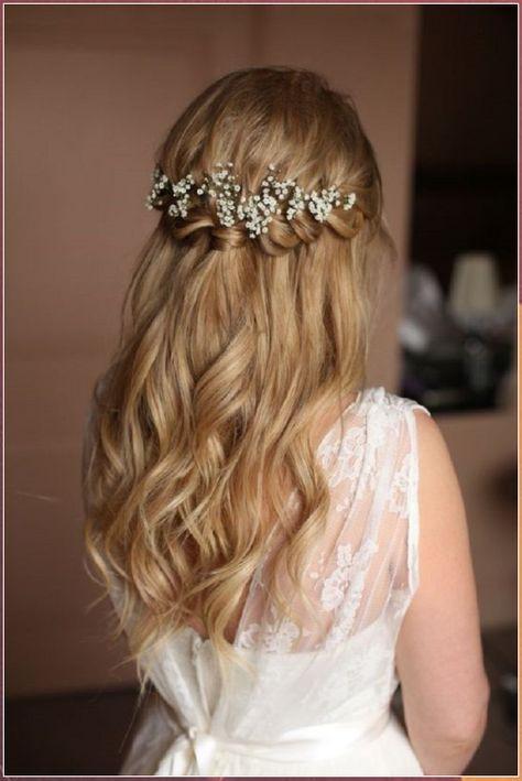 Braids half up half down wedding hairstyle #Braids #half #half #down #wedding #hairstyle