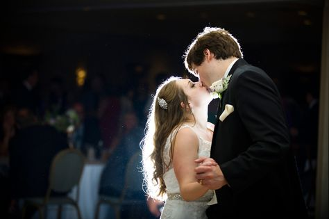 Reception At Miller Room Milwaukee Jbe Photography Wedding Photojournalist Doentary First Dance