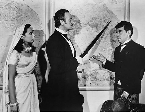 Shirley Maclaine David Niven And Cantinflas In Around The World