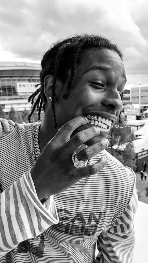 asap rocky aesthetic wallpaper & asap rocky _ asap rocky wallpapers _ asap rocky aesthetic _ asap rocky fashion _ asap rocky smile _ asap rocky aesthetic wallpaper _ asap rocky nails _ asap rocky and tyler the creator Kylie Jenner Instagram, Kylie Jenner Fotos, Black And White Picture Wall, Black And White Pictures, Outfit Instagram, Lord Pretty Flacko, Mode Hip Hop, Arte Van Gogh, A$ap Rocky