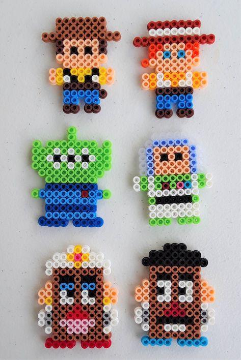 Perler Bead Designs, Easy Perler Bead Patterns, Perler Bead Templates, Hama Beads Design, Pearler Bead Patterns, Disney Hama Beads Pattern, Perler Bead Emoji, Diy Perler Beads, Perler Bead Art