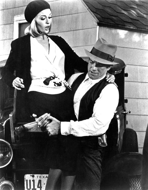Faye Dunaway And Warren Beatty Filming Bonnie And Clyde Faye Dunaway