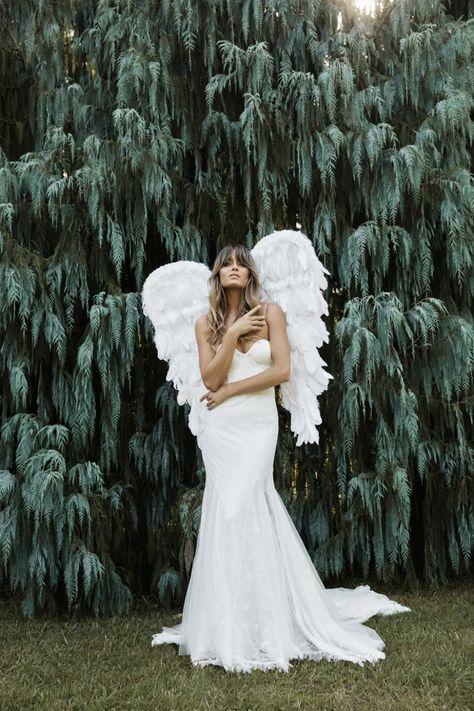 La robe de mariée Filamena de la collection 2021 Grace Loves Lace   Tendance mariage : interview de la créatrice de Grace Loves Lace pour ses robes de mariée 2021   Vogue Paris