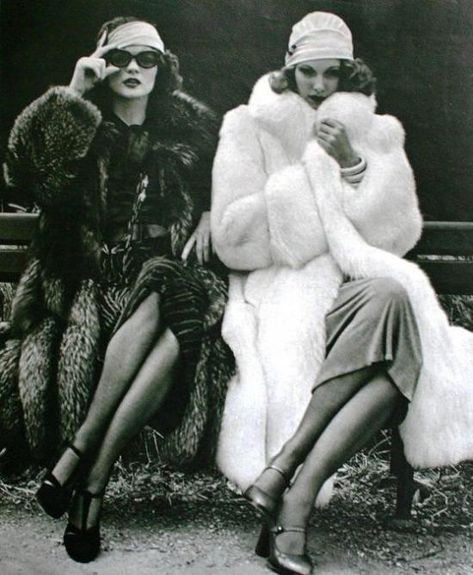 Vintage Fashion Marie Claire Magazine Paris 1974 - Vintage fur coats from the most fashionable decades . Legendary fashion icons from the past in their fur coats , complete a vintage fashion spirit. 20s Fashion, Fashion History, Sporty Fashion, Petite Fashion, Winter Fashion, Vintage Glamour, Vintage Glam Fashion, 1920s Glamour, Vintage Fashion Photography