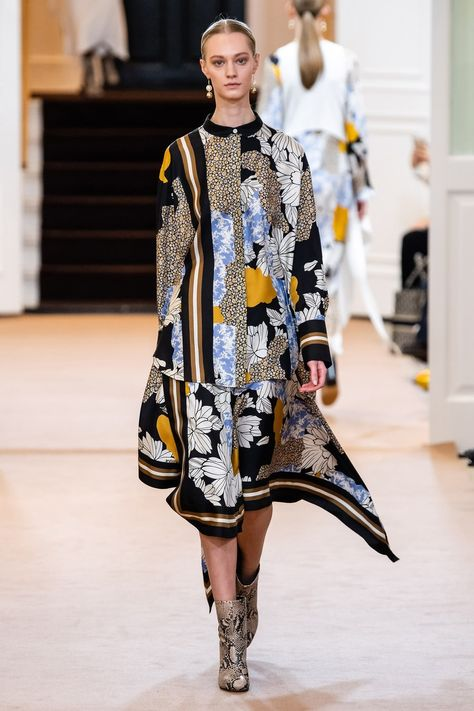 By Malene Birger Copenhagen Fall 2019 collection, runway looks, beauty, models, and reviews.