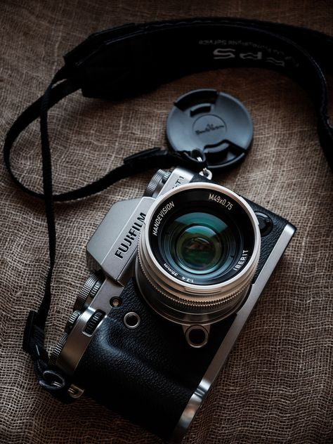 Camera Gear Aesthetic Photography - Types of Photography Leica Digital Camera, Digital Camera Tips, Digital Cameras, Canon Digital, Leica Camera, Digital Slr, Camera Logo, Camera Art, Camera Drawing