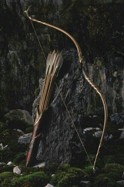 Image about bow in The Kings Men?/The Queens Knights. : arrow, bow, and medieval Bild Legolas, Tauriel, Potnia Theron, Half Elf, Elf Ranger, Armas Ninja, Wood Elf, Bow Arrows, Fantasy Weapons