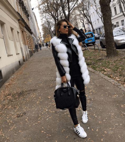 Cute Mini Skirt Outfits to Rock This Season Fur Fashion, Winter Fashion Outfits, Look Fashion, Autumn Winter Fashion, Winter Outfits, Womens Fashion, Black Outfits, Fur Vest Outfits, Skirt Outfits