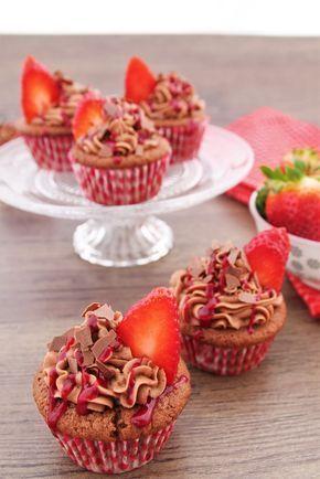 Nutella Erdbeer Cupcakes - Frühling - www.candbwithandrea.com - Rezept 2-min