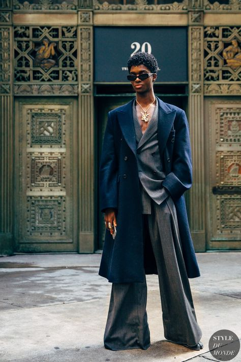 Alton Mason between the style exhibits. The publish New York FW 2019 Street Style: Alton Mason appeared first on STYLE DU MONDE