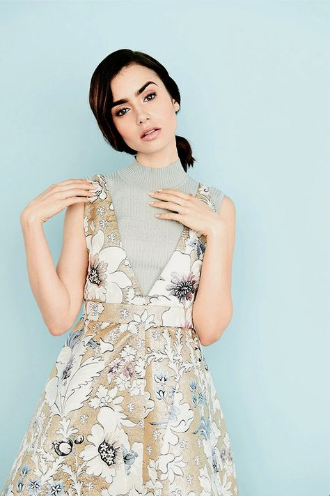 ♔ This blog is dedicated to Golden Globe nominated actress Lily Collins most known for her role as...