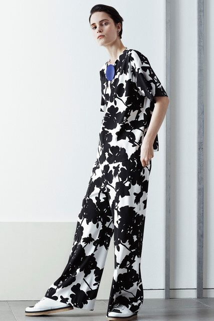 Sportmax Pre-Fall 2016 Fashion Show