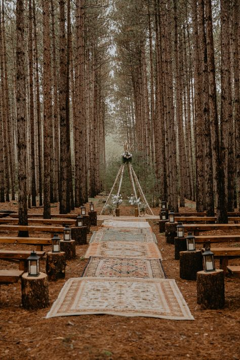 Romantic Boho-Chic Wisconsin Forest Wedding A romantic outdoor boho-chic forest wedding in Wisconsin. This intimate destination DIY wedding is full of all of the woodland wedding dreams. Wedding Destination, Wedding Goals, Diy Wedding, Wedding Dreams, Outdoor Wedding Theme, Wood Themed Wedding, Outdoor Weddings, Outdoor Rustic Wedding Ideas, Wedding Stuff