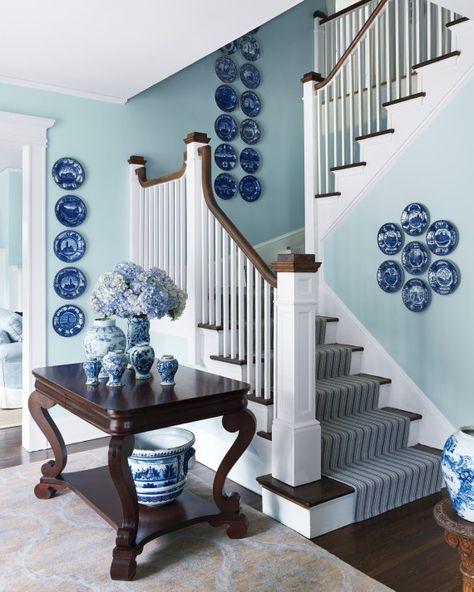 blue and white plates on wall White Plates, Blue Plates, Home Interior, Interior Design, Design Art, Plate Design, Martha Stewart Home, Sarah Richardson, Coastal Living Rooms