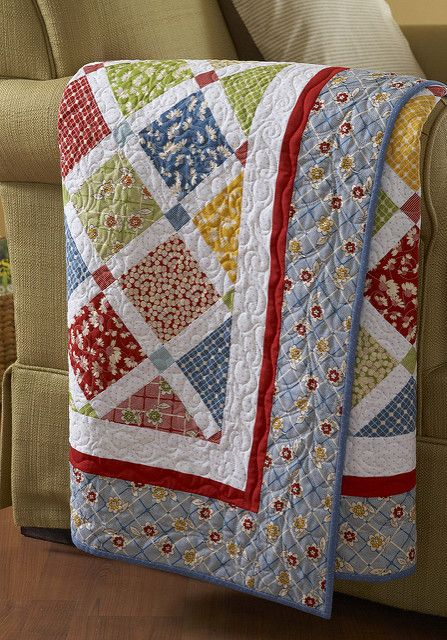 Scrappy Quilts: 29 Favorite Projects from the Editors of American Patchwork & Quilting Colchas Quilting, Scrappy Quilts, Easy Quilts, Quilting Projects, Quilting Designs, Sewing Projects, Quilting Ideas, Quilting Board, Quilt Design