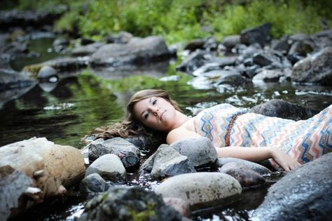 Senior Session in the water; Pacific Northwest; K.Barnes Photography