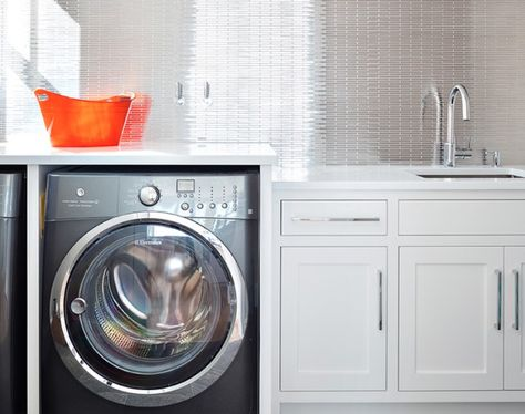 25 Laundry Room Cabinets Ideas And Design Decorating Minimalist