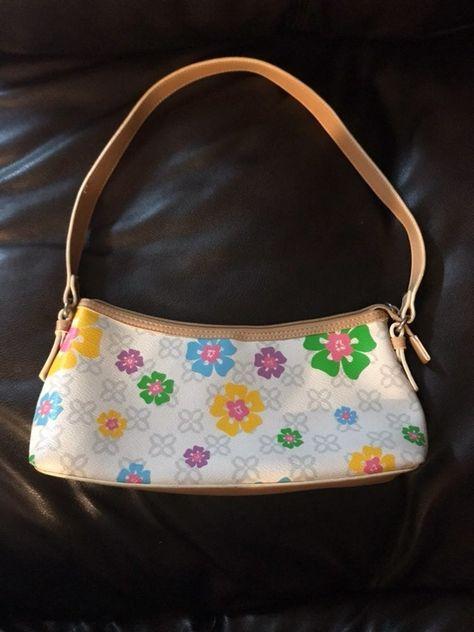 Cute Handbags, Purses And Handbags, Sunglasses Accessories, Fashion Accessories, Indie Kids, Cute Purses, Little Bag, Cute Bags, Vintage Bags