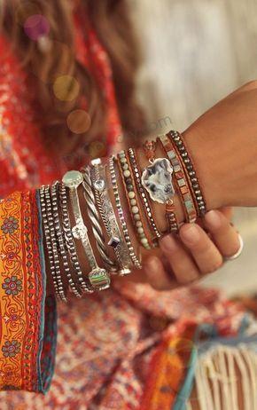 Look Boho, Boho Style, Boho Looks, Ethnic Style, Gypsy Style, Beaded Wrap Bracelets, Stacking Bracelets, Beaded Necklaces, Beaded Earrings