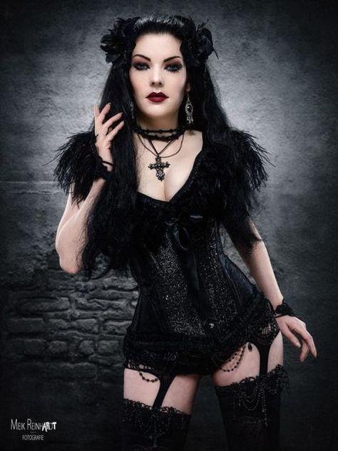 Gothic and Amazing #GothicFashion