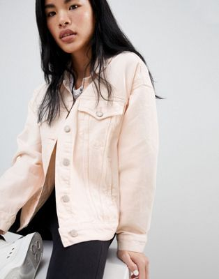 Shop Pull Bear Oversized Denim Jacket With Pocket Detail In Pink At Asos Discover Fashion Online Oversized Denim Jacket Jackets Long Coat Jacket