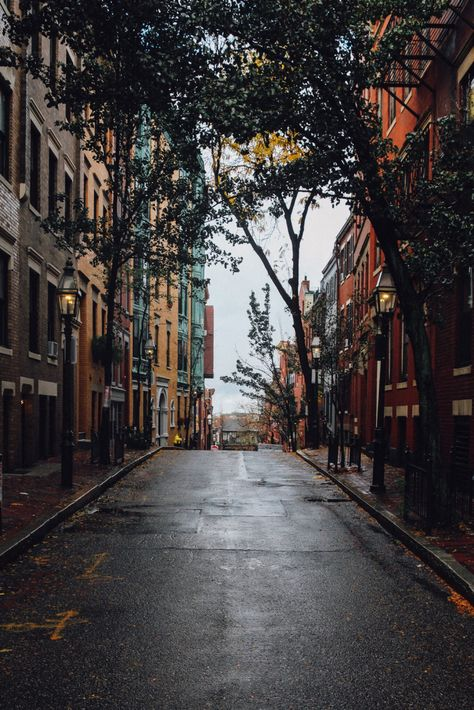Boston Design Guide is the new city guide you were waiting for. Check all this design locations we have chosen for you. City Aesthetic, Aesthetic Outfit, Aesthetic Collage, Aesthetic Vintage, Belle Villa, Jolie Photo, City Photography, United States Travel, City Streets