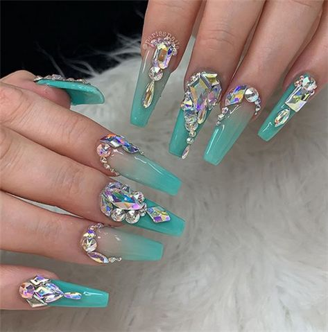 Stunning Acrylic Ombre Nails Design Ideas In Summer - Nail Art Connect#ombrenails#coffinnails#summernails