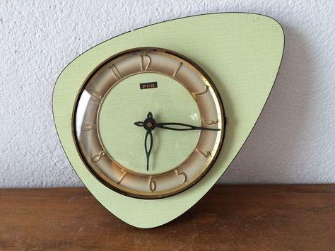 Horloge Triangulaire Formica Vert Ffr Annees 50s 60s Pendule Horloge Horloge Pendule Vintage