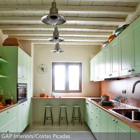 Küche in Lindgrün Holzdielen, Landhausstil und Die küche - tuersysteme kuechenoberschraenke platzsparend