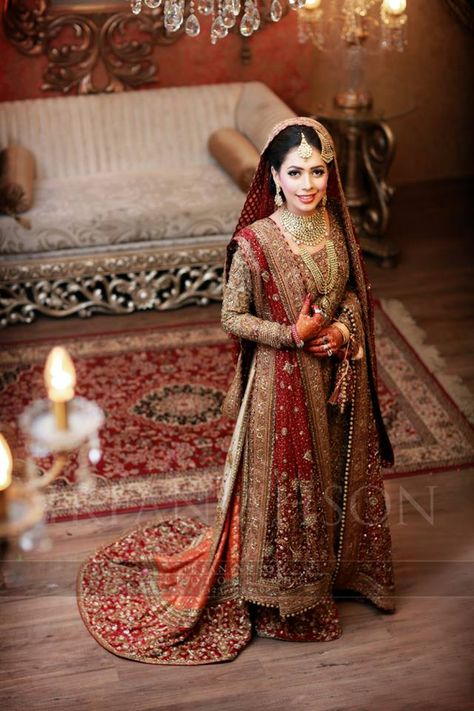 Latest Bride and Groom Wedding Dress Collection 2019
