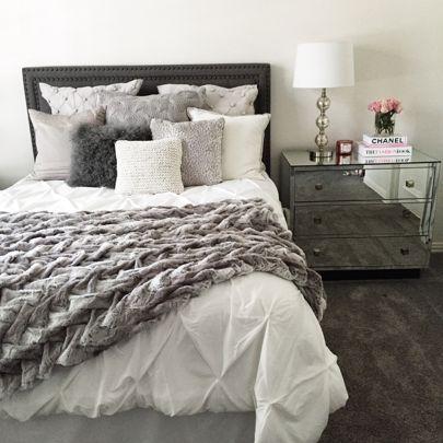 Best 25 White Comforter Bedroom Ideas On Pinterest  Chic Bedroom Delectable White Comforter Bedroom Design Ideas Decorating Design