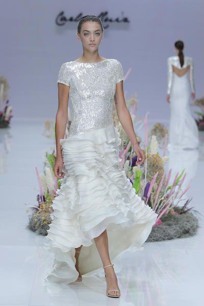 Die Schonsten Kurzen Brautkleider Zeigen Sie Bein Auf Ihrer Hochzeit Brautkleid Kurz Verfuherische Brautkleider Brautkleid