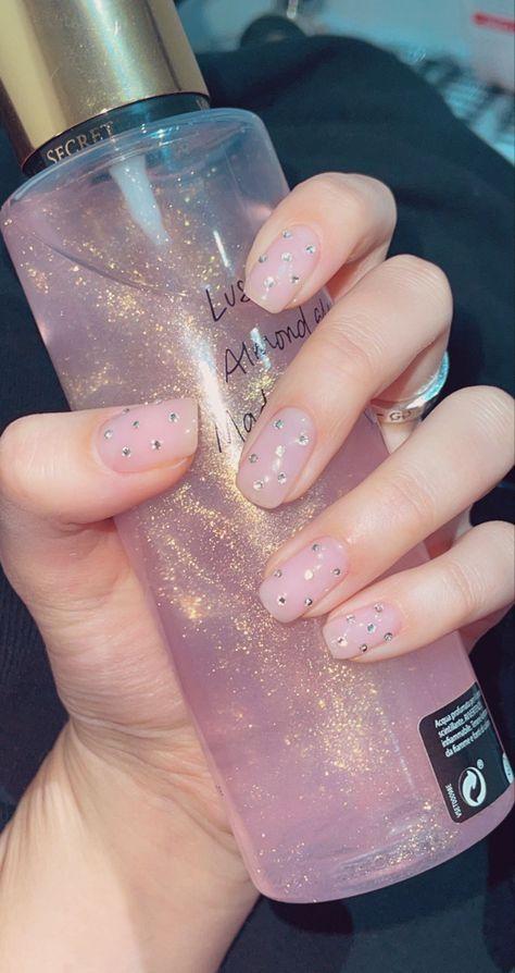 #nails #nailart #nailsofinstagram #manicure #manicureideas #cutebabygirl #pink #shiny #follow #follow4follow #маникюр #маникюрдизайн #маникюрныйинстаграм #ноготочки