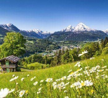 Mit Den Bayerischen Alpen Bietet Bayern Eine Atemberaubende Landschaft Die Durch Charmante Seen Wie Dem Chiemsee Und Konigs Kurzurlaub Wochenendreisen Urlaub
