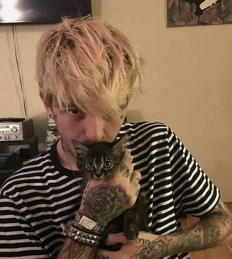 pictures of lil peep Lil Baby, Baby Daddy, Lil Peep Lyrics, Pretty People, Beautiful People, Lil Peep Beamerboy, Rapper, Estilo Hip Hop, Lil Peep Hellboy