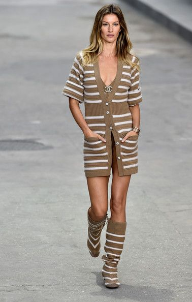 Chanel, Spring 2015 - These Throwback Runway Photos of Gisele Are Amazing - Photos