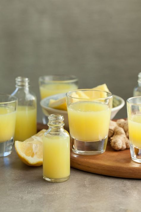 Ananas Ingwer Wellness Shots - Ayurveda and Health - Natural Health Remedies, Natural Cures, Natural Healing, Herbal Remedies, Natural Treatments, Natural Remedies For Cough, Natural Foods, Natural Beauty, Cough And Cold Relief