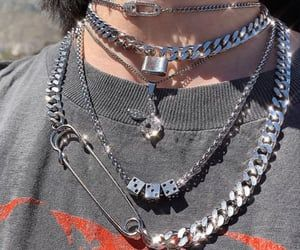 Petite Fashion Tips .Petite Fashion Tips Cute Jewelry, Jewelry Accessories, Fashion Accessories, Hipster Accessories, Fashion Jewelry, Women Jewelry, Edgy Outfits, Grunge Outfits, Rock Outfits