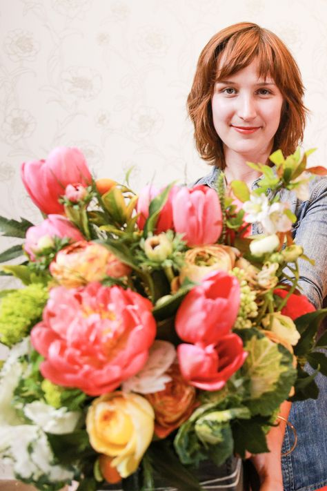 """If you've never tried your hand at floral arranging before, it can feel pretty intimidating. For whatever reason, it's one of those #adulting skills we just never picked up. And we bet we're not alone. """"It's truly a lost art,"""" says Caroline Strzalka, who founded floral kit delivery service It's By U with her sister, seven-time Philadelphia Flower Show winner Christine Strzalka. """"People know even less about flowers than they do about food."""""""