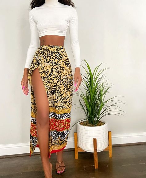 A curated collecton of authentic Vintage Glam. Cute Casual Outfits, Boho Outfits, Moda Hippie, Afro, Estilo Fashion, African Print Fashion, Shops, African Attire, Fashion Dresses