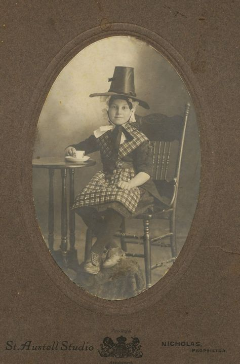 GenieQ: Fearless Females - March 2 - Dorothy May Thomas #genealogy