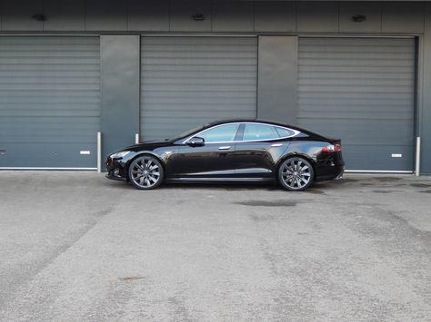 Prachtig, zo'n Amerikaanse elektrische auto! Met veel plezier heb ik deze Tesla weer in nieuwstaat gebracht.