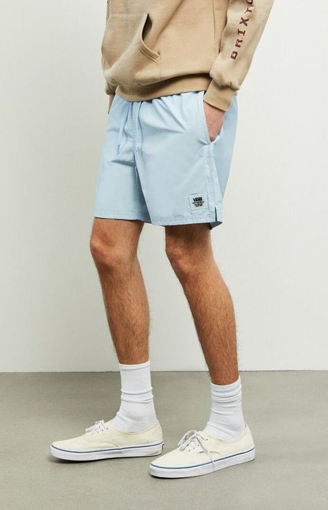 Update your warm-weather, street-to-water style. The Light Blue Primary Volley Shorts have side and back pockets and a comfy elastic waist with adjustable drawstrings. Casual Street Style, Style Casual, Style Men, Guy Style, Best Style For Men, Men Summer Style, Teen Boy Style, Men's Style, Casual Styles
