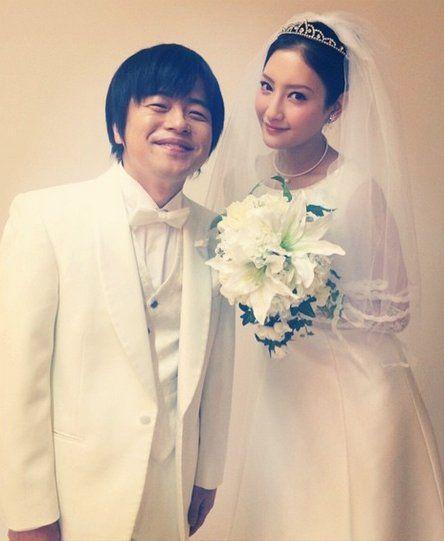 画像1 2 菜々緒 バカリズムとの 結婚報告 が話題に ウェディングドレス姿で幸せ笑顔 結婚式 芸能人 花嫁 花嫁 写真