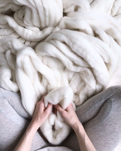 Arm knit yourself an extreme knit throw. These are all the rage (so hygge, right?), but wayyyy cheaper to DIY rather than buy already knit. You've got this. Super easy. My DIY kit comes with a complete set of instructions and videos. Happy knitting! xx