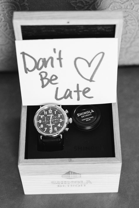 """Secret Garden-Inspired Wedding at Durham House Inn """"Don't be late"""" note on her groom's gift (Shinola watch.) Photography: Carlie Statsky - """"Don't be late"""" note on her groom's gift (Shinola watch. Wedding Goals, Our Wedding, Wedding Planning, Dream Wedding, Wedding Gift For Groom, Wedding Tips, Wedding Hacks, Groom Gift From Bride, Wedding Day Groom Gift"""